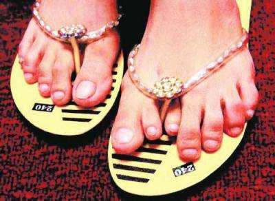 http://media.ebaumsworld.com/2007/05/leftfoot.jpg