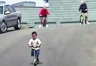 scooter [Video] BAD Scooter Fall Funny Picture