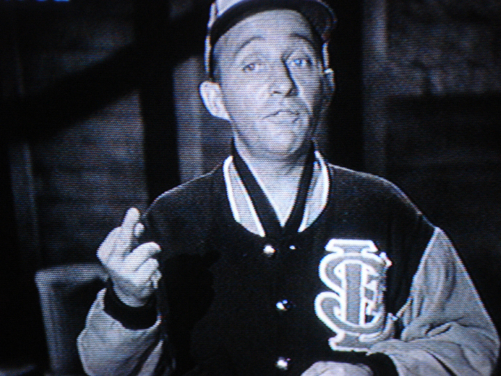 Bing Crosby flipping the bird