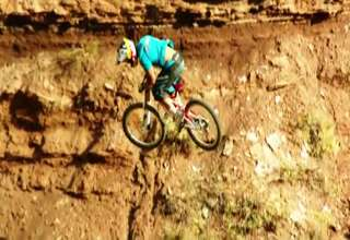 Amazing 1000fps MTB Step Down 360 view on ebaumsworld.com tube online.